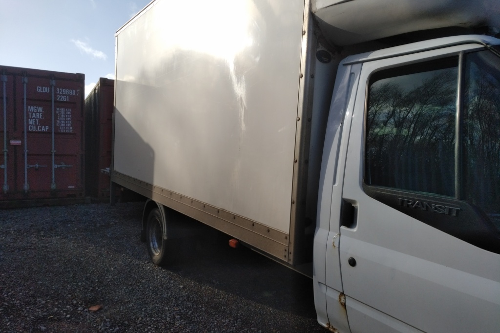 Removal van loading at more storage 4u